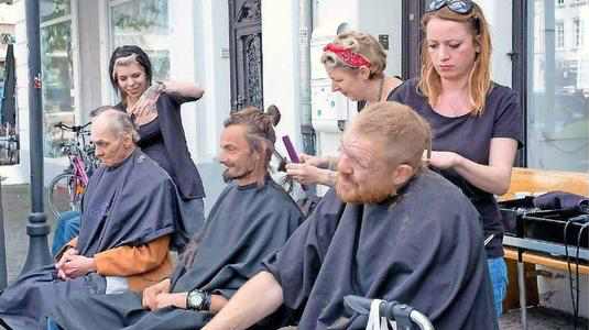 Gratis-Haarschnitt für Obdachlose (SZ)